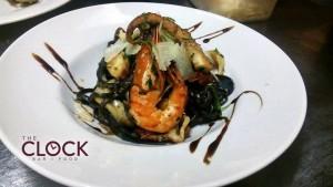 THE CLOCK bar & food